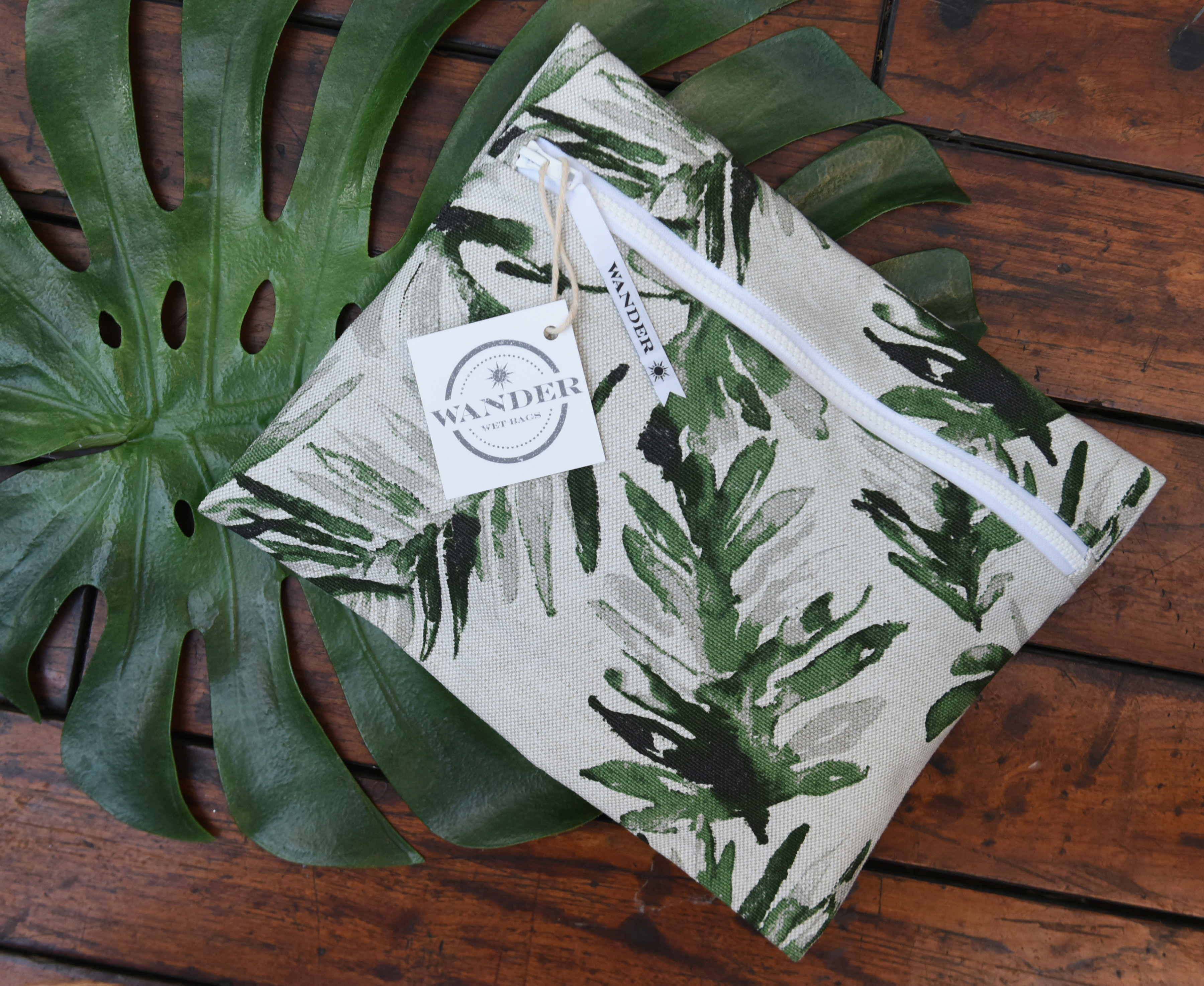 _Stand Tall in Palm Frond Wander Wet Bag ™